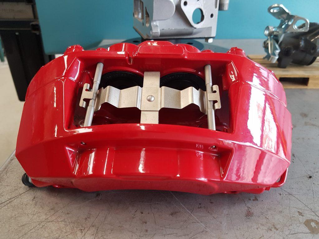 remklauw Audi SQ poedercoaten rood